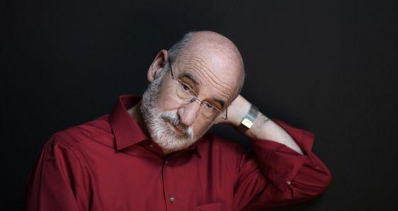 El escritor español Fernando Aramburu, que acaba de publicar 'Los vencejos'. IVÁN GIMÉNEZ