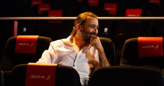 El músico y productor español Javier Limón, en la presentación de 'Volando', en los Cines Callao de Madrid. CORTESÍA