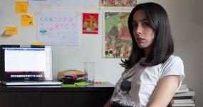 La escritora chilena Constanza Gutiérrez. GONZALO PUEBLA ARAYA